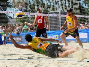 Brasileiros se destacam e avançam direto às oitavas no vôlei de praia na Áustria