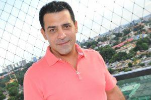 Maus Caminhos: PF realiza busca e apreensão na casa de irmão de Omar Aziz
