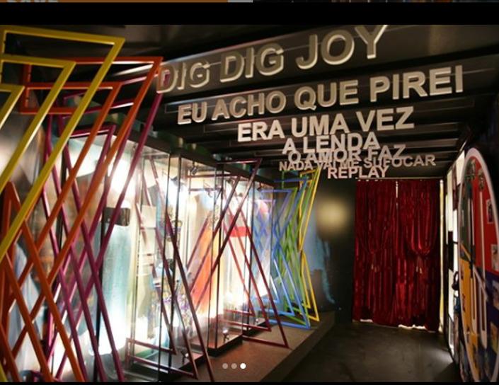 Exposição traz para Manaus parte do acervo dos 30 anos de carreira de Sandy & Júnior