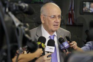 Governo tem R$ 334 milhões de Fundeb e pode pagar 13° de professores, afirma Serafim