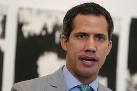 Guaidó denuncia que Maduro quer dissolver Parlamento
