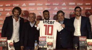 Daniel Alves: 'O São Paulo contratou torcedor e não vai se arrepender'