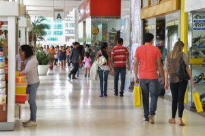 Vendas do Dia dos Pais devem crescer 2,1%, prevê CNC