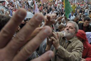 """Em entrevista, Lula diz: """"seria um prazer sair da prisão e Moro e Deltan entrarem"""""""