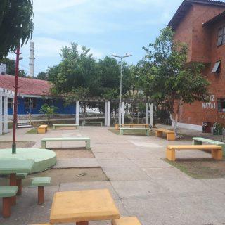 Moradores do Prosamim de Manaus retomam projeto Leitura na Praça após mutirão de revitalização