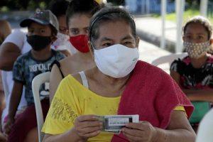 Com testagem rápida para Covid-19, indígenas kokamas recebem atendimento médico em Manaus