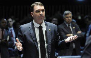 Suposta lavagem de dinheiro de Flávio Bolsonaro será investigada pela MP do Rio de Janeiro