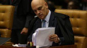 Ministro do STF manda pasta da Saúde voltar a divulgar dados sobre a pandemia