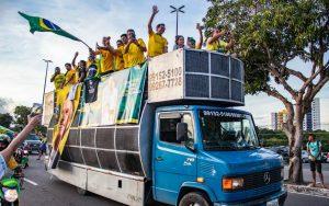 Movimento pró-democracia realiza novo ato em Manaus na tarde deste sábado