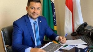 À frente de 'caciques', pesquisa mostra Alberto Neto como um dos favoritos a prefeito de Manaus