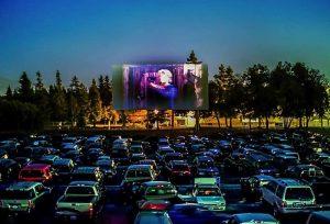 Saudades do cinema? sessões em drive-in são exibidas em Manaus