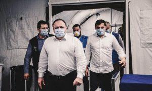Pazuello espera transferir 1 500 pacientes do Amazonas