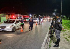 Dezessete pessoas são detidas e 28 veículos apreendidos em 'Operação pela Vida'