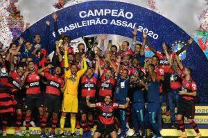 É campeão! Flamengo perde para o São Paulo, conta com tropeço do Internacional e celebra o título brasileiro