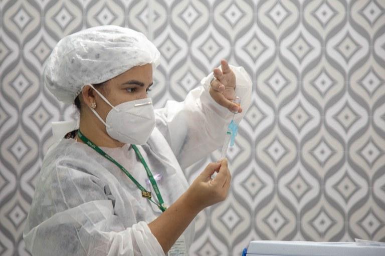 Saúde assegura recebimento de mais 54 milhões de doses de vacina contra Covid-19