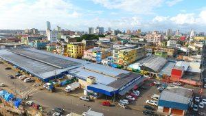 Serviços integrados levam melhorias à feira da Manaus Moderna
