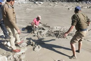 SOBE PARA 19 número de mortos após rompimento de geleira no Himalaia