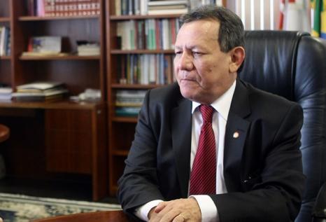 Ex-procurador geral do  MP Amazonas Francisco Cruz morre de covid-19
