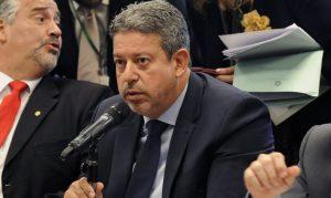 Arthur Lira, do PP, é eleito presidente da Câmara em 1º turno com apoio de Bolsonaro