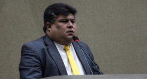 Vereador David Reis dá cargo comissionado para a própria tia na CMM e pode ser denunciado por nepotismo