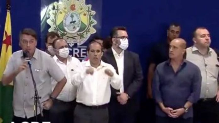 Prefeito de Rio Branco se vinga de jornalista que fez Bolsonaro fugir de entrevista