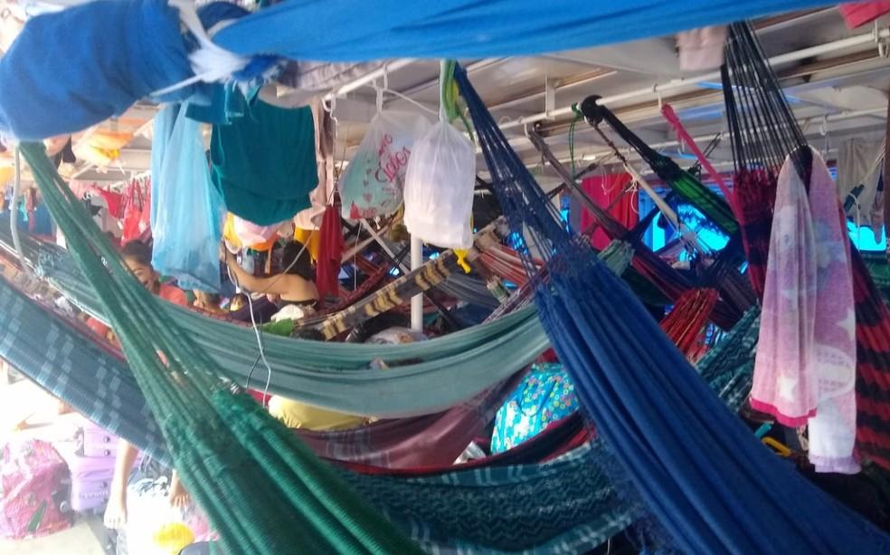Fiscais interrompem viagem de embarcação lotada com 120 pessoas no interior do AM
