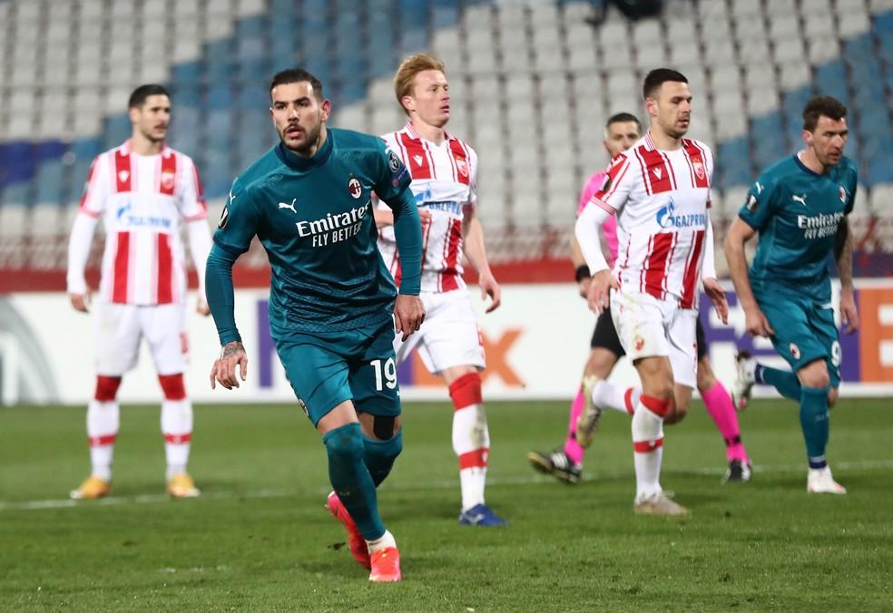 Milan empata pela Liga Europa em jogo com dois pênaltis, gol contra e herói nos acréscimos