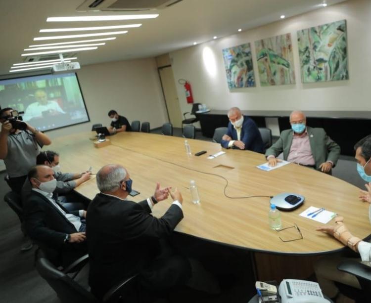 Empresários entregam proposta para reabertura gradual do comércio no AM