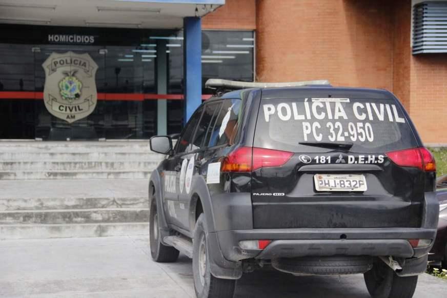 Travesti é assassinada com um tiro no tórax em motel de Manaus