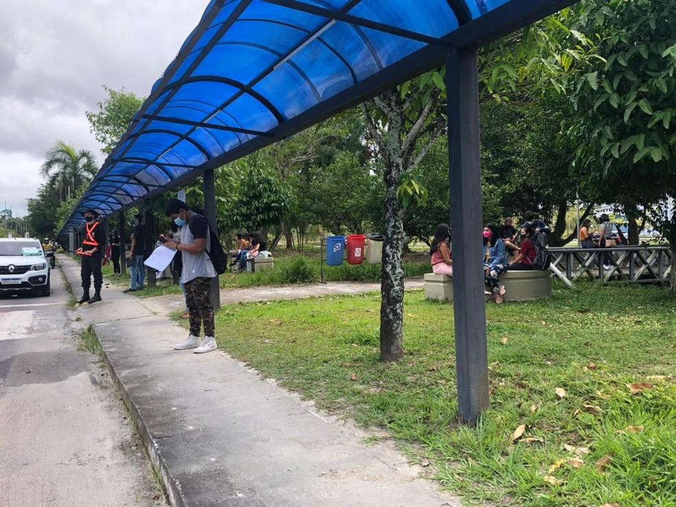 Em meio a pandemia, primeiro dia de Enem tem pouco movimento nas escolas de Manaus: 'Tem um resquício daquele medo de se infectar'