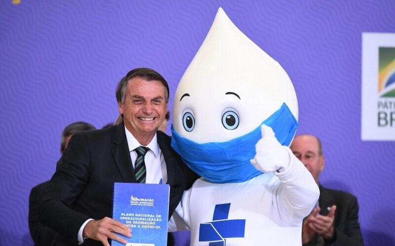 Bolsonaro vai entrar na fila para se vacinar contra Covid-19
