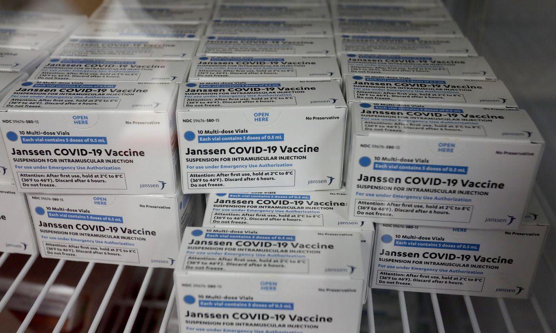 Anvisa e Janssen discutem autorização para uso emergencial de vacina