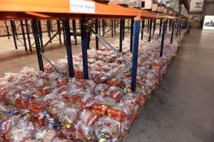 Prefeitura inicia nova etapa de entrega do 'kit merenda escolar'