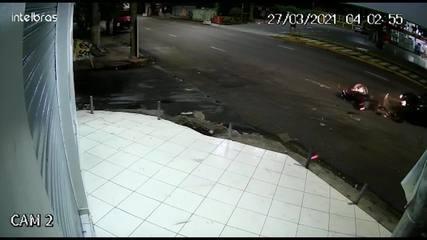 Grávida morre e marido fica ferido em queda de moto após serem atingidos por motorista em Manaus