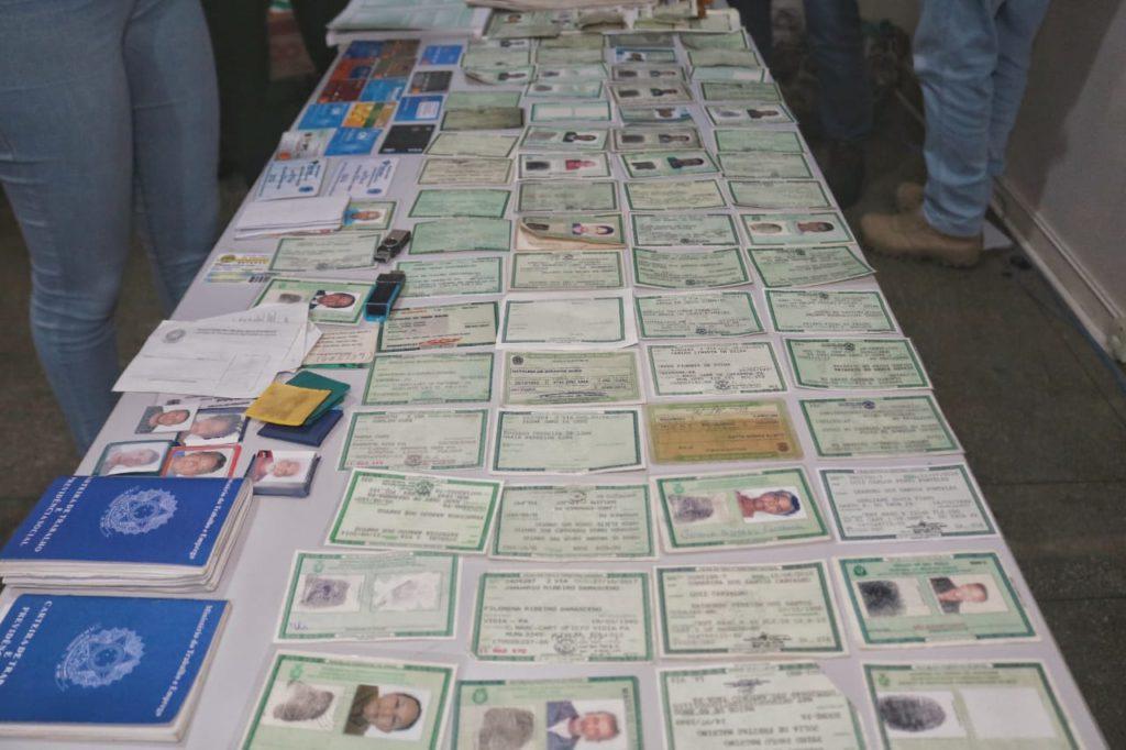 Quadrilha de estelionatários é presa com mais de 140 documentos falsificados em Manaus