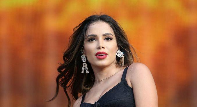 Anitta bate boca com Rick Bonadio em defesa do funk brasileiro