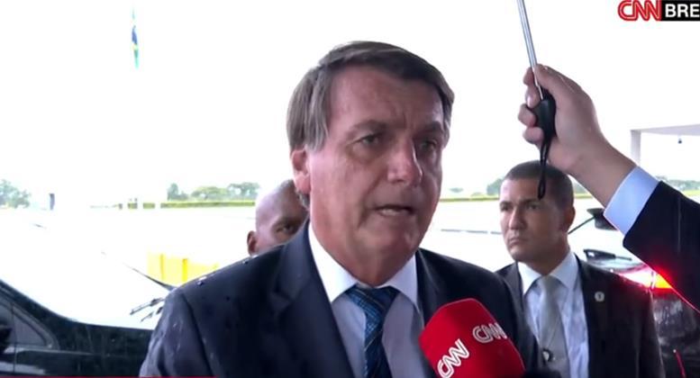 """""""Não pode ser decisão de um homem só"""", diz Bolsonaro sobre Fachin inocentar Lula"""