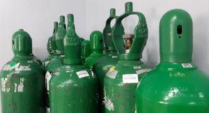 Trio é preso por desviar cilindros de oxigênio de ONG em Manaus