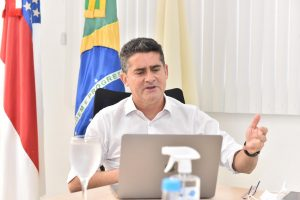 David Almeida assina termo de participação em consórcio para aquisição de vacinas