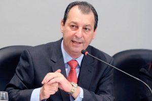 Omar Aziz diz que Pazuello enganou o Amazonas com promessas de vacinas