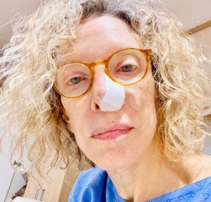 Marília Gabriela descobre câncer no nariz e passa por cirurgia para retirada de tumor