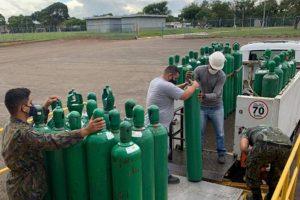 Com abastecimento normalizado após colapso, Amazonas envia cilindros de oxigênio para outros estados