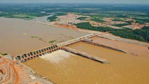 Santo Antônio, a quarta maior hidrelétrica do País, vê risco de paralisação total