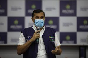 Governador do Amazonas amplia horário de abertura de restaurantes e libera aulas presenciais no ensino médio