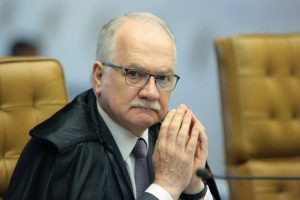 Fachin mantém decisão que anulou condenações de Lula após recurso da PGR