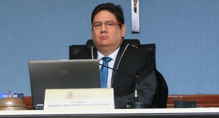 STJ absolve conselheiro Ari Moutinho por xingamentos em audiência pública