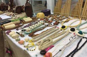 Mercado de artesanato se reinventa para sobreviver à pandemia