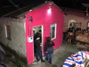 Atiradores invadem casa e matam jovem de 23 anos em Manaus