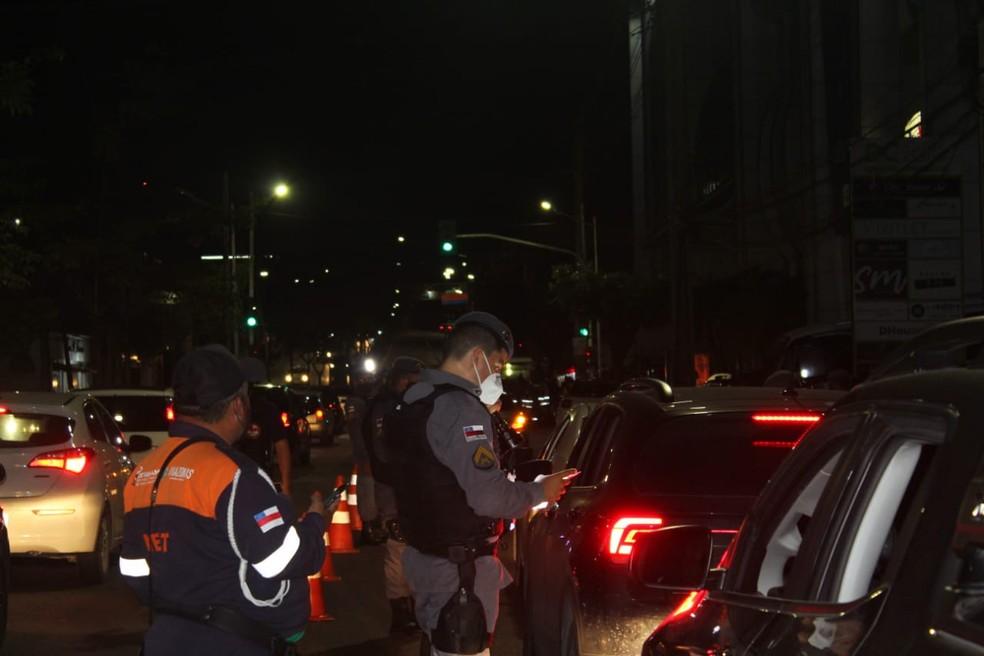 Mais de 30 motoristas são flagrados sob efeito de álcool ao volante no fim de semana em Manaus