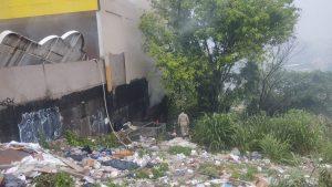 Incêndio atinge depósito de loja de tintas em Manaus